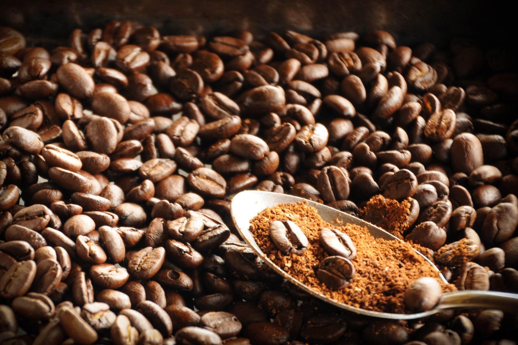 Frischer Kaffee Rösterei Bohnenschmiede